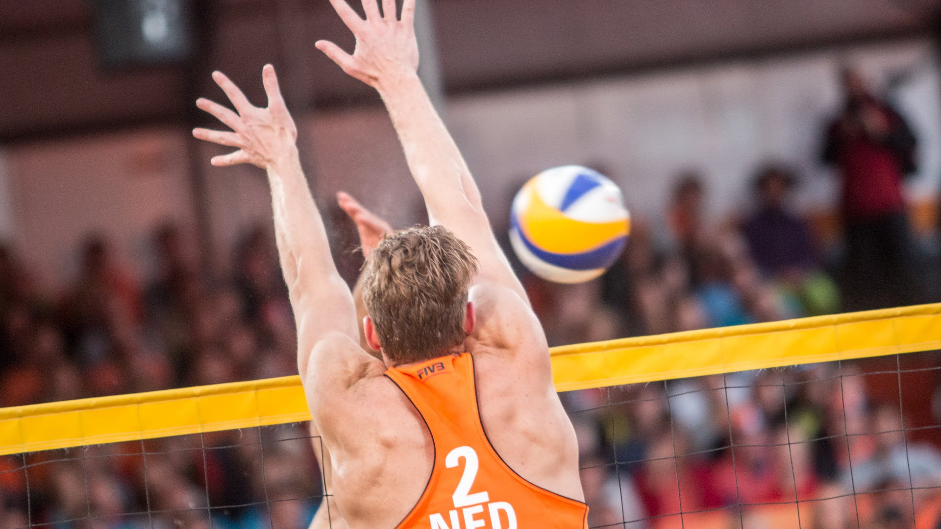 Varenhorst blocks 3 in a row in Gold Medal...