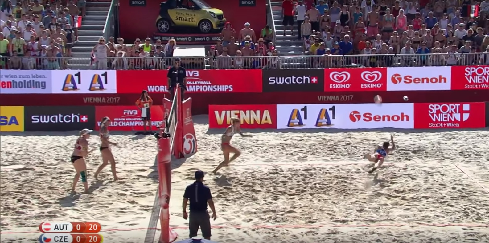 #WorldChampsVienna - one handed hit